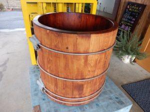 伊那産ヒノキのワイン樽